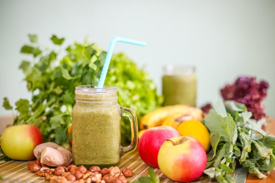 A glass of green smoothie Rheuma Akademie